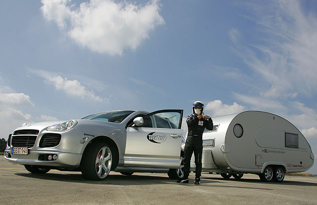 Thomas Starck Autofotografie - Porsche Techart mit Anhänger