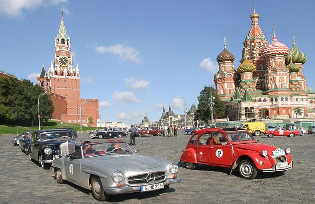 Oldtimerrallye Moskau Roter Platz - Thomas Starck Autofotografie