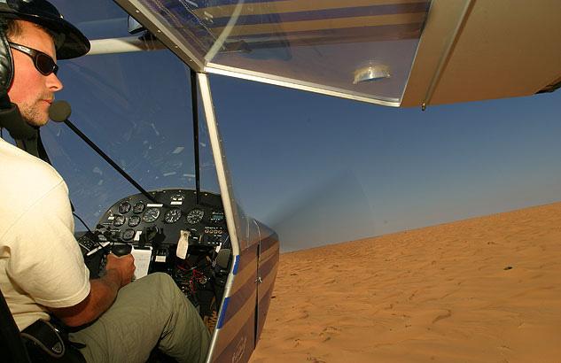 Wuestenralley Versorgungsflugzeug - Starck Autofotografie